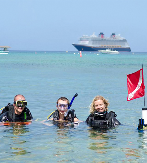 Discover Scuba Diving in Grand Cayman with Lobster Pot Dive Center